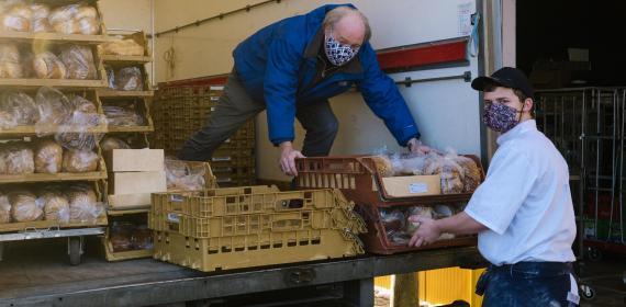 scalda bakkerij doneert aan voedselbank